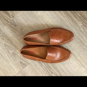 Pikolinos loafers